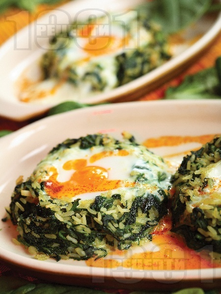 Печени гнезда с ориз, спанак и яйца в тава на фурна - снимка на рецептата